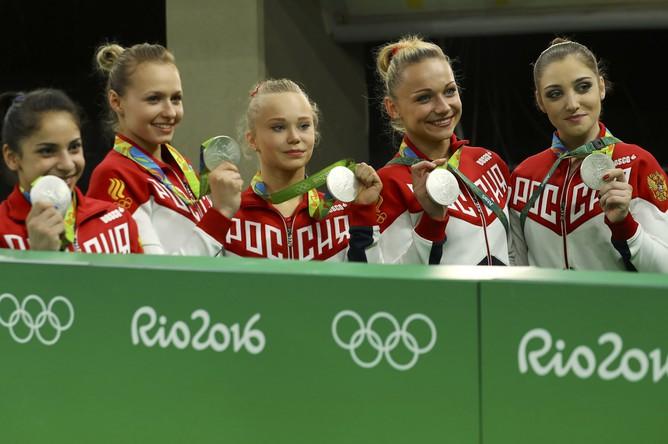 Женская сборная России по спортивной гимнастике (Ангелина Мельникова, Дарья Спиридонова, Алия Мустафина, Седа Тутхалян, Мария Пасека) завоевала серебряные медали Олимпиады – 2016 в командных соревнованиях