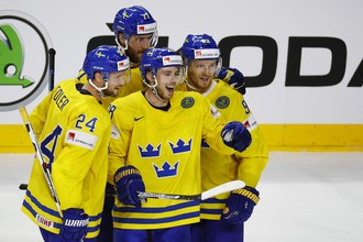 Сборная Швеции играет со Словакией в матче группового этапа чемпионата мира по хоккею — 2017