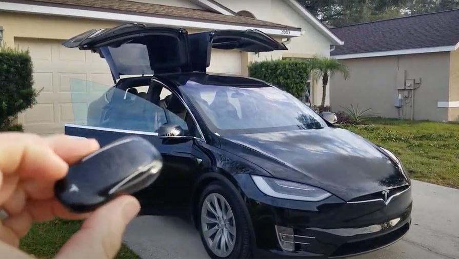 Tesla обнаружила несуществующего человека на кладбище