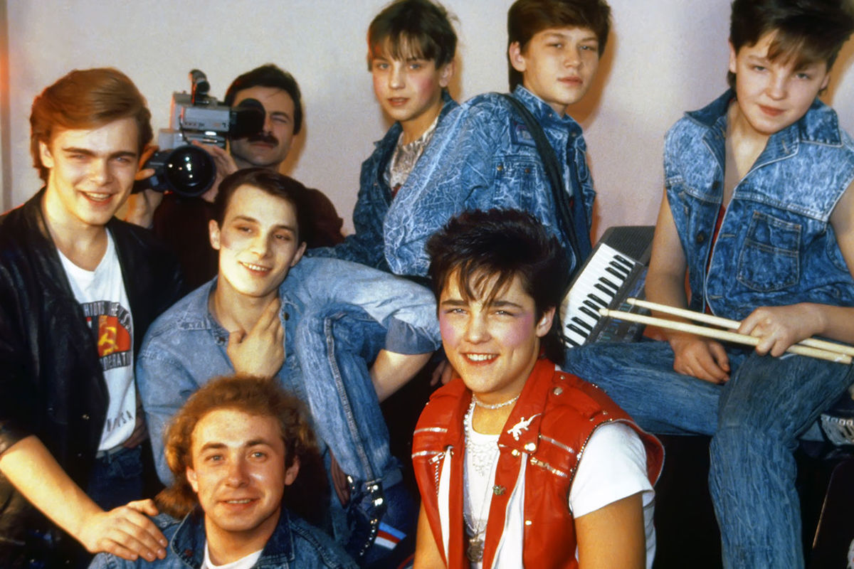 Популярная музыкальная группа «Ласковый май», 1989 год. На первом плане (слева направо): композитор, поэт, основатель группы Сергей Кузнецов и солист Юрий Шатунов