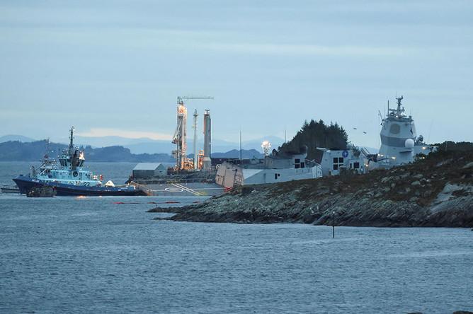 Норвежский фрегат Helge Ingstad после столкновения с танкером Sola TS в Эйгардене, 8 ноября 2018 года