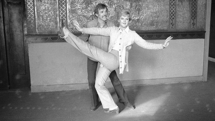 Анджела Лэнсбери и Гауэр Чемпион во время репетиции, 1970 год