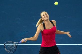 Мария Шарапова выиграла уже второй матч на необычном синем грунте