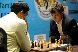 Пятница. Ченнай. Магнус Карлсен (справа) против Вишванатана Ананда.