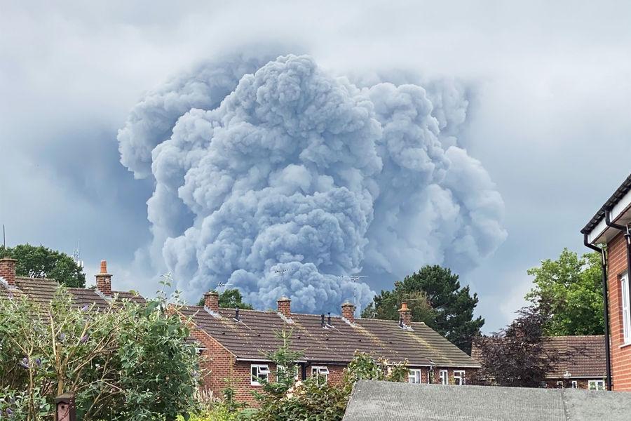Мощный взрыв прогремел на британском курорте