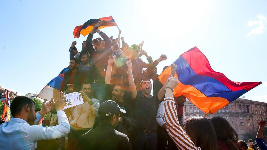 Премьер-министр Армении Саргсян заявил о своей отставке на фоне протестов в стране