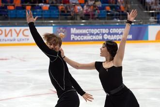 Елена Ильиных и Руслан Жиганшин во время открытого проката сборной России в Сочи