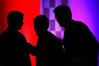 Экс-губернатор штата Флорида Джеб Буш (справа)