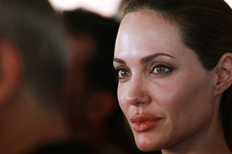 Таблоиды объявили, что Джоли больна гепатитом С