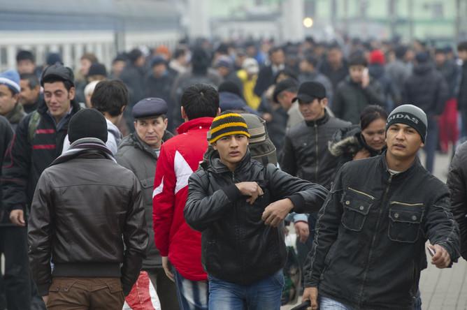 Заселение страны мигрантами россияне считают самой реальной угрозой
