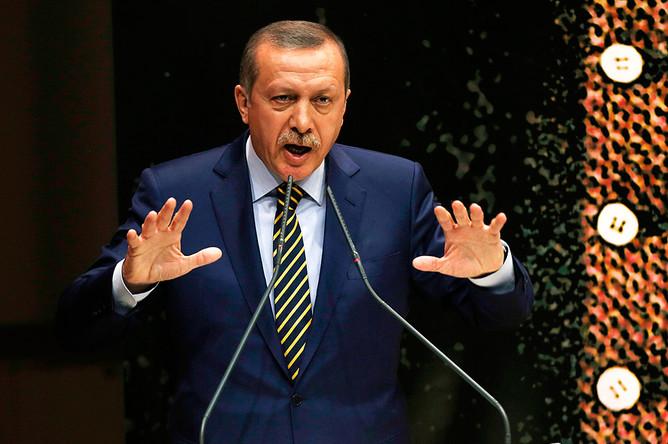 Премьер министр Турции Реджеп Таип Эрдоган отправил в отставку 10 министров правительства