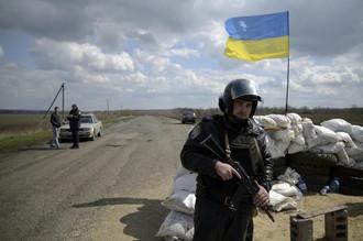 В Донбассе столкнулись армия Украины и пророссийские протестующие