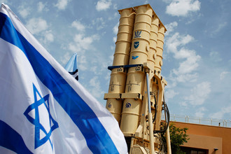 Израильский противоракетный комплекс Arrow 2 во время презентации для журналистов на военной базе Пальмахим, 2011 год