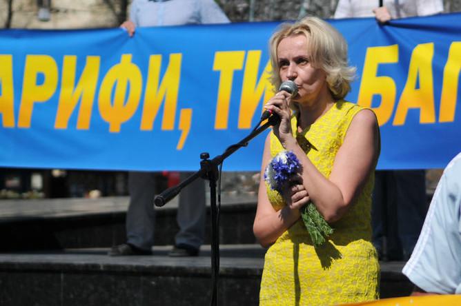 Украинский политик Ирина Фарион во время акции против повышения тарифов на коммунальные услуги во Львове, 2015 год