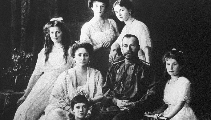 Император Николай II в кругу семьи, 1913 год