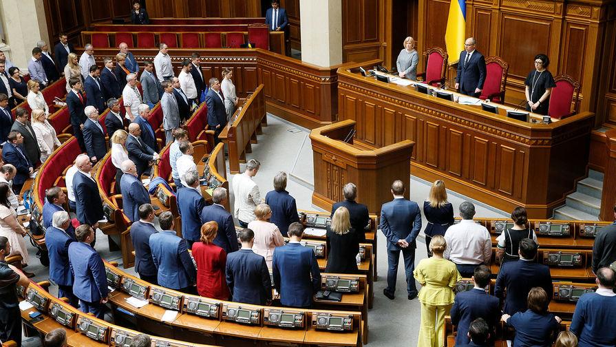 ЦИК зарегистрировал первого кандидата в депутаты на выборах в Раду