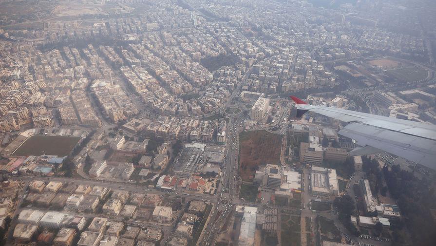 Самолет пролетает над Алеппо, 19 февраля 2020 года