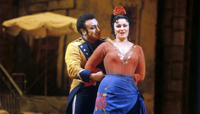 1981 год. Сцена из оперы Жоржа Бизе «Кармен». Хозе — народный артист СССР Зураб...