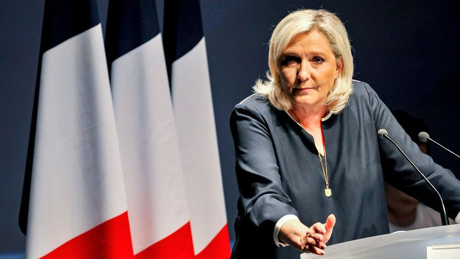 Рейтинг Марин Ле Пен сравнялся с рейтингом Эммануэля Макрона