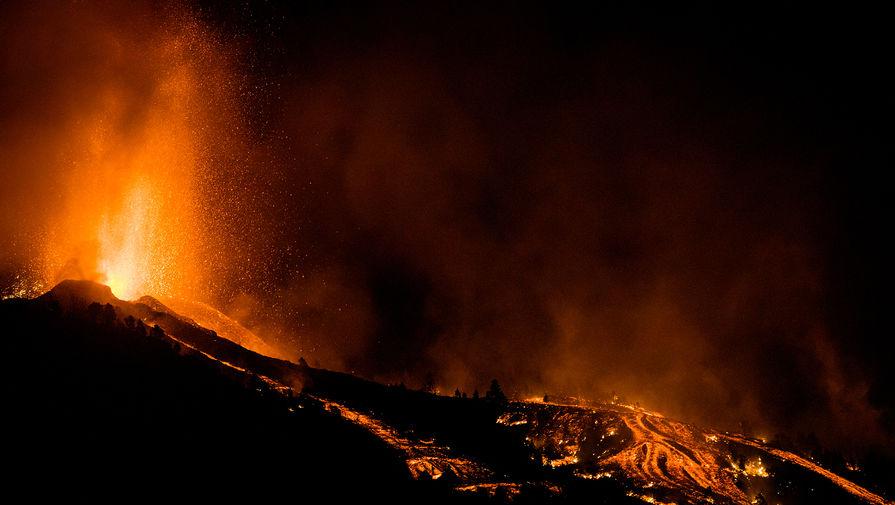 Министр туризма Испании предложила превратить извержение вулкана в развлечение для туристов