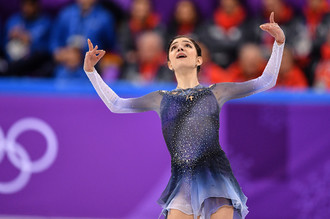 Медведева выиграла короткую программу с мировым рекордом