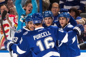 В матче лидеров конференций НХЛ «Тампа-Бэй» уверенно победила «Анахайм»