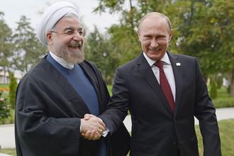 Президент Ирана Хасан Роухани и президент РФ Владимир Путин на церемонии встречи глав государств-участников IV Каспийского саммита