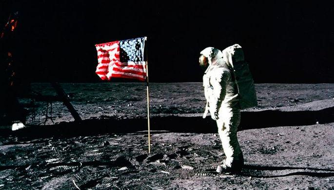 Скандальный фильм: Голливуд отобрал у США флаг на Луне