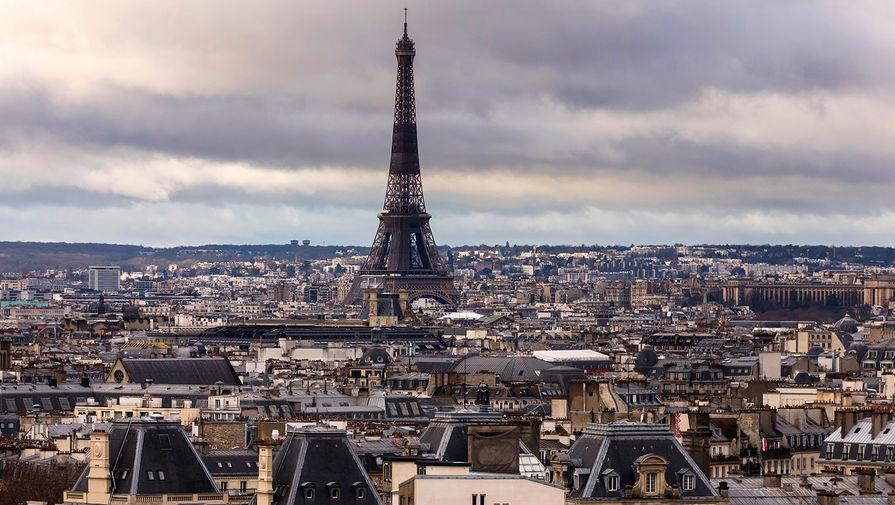 В Париже полиция разогнала отдыхающих за несоблюдение ограничений