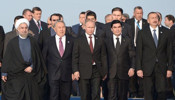 Президент Ирана Хасан Рухани, президент Казахстана Нурсултан Назарбаев, президент России Владимир...