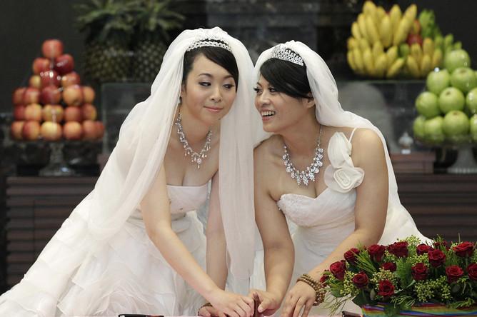 Лесбийская свадьба видео