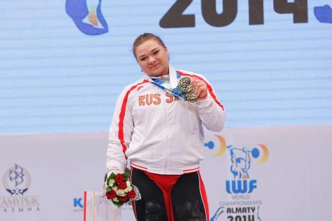 Татьяна Каширина выиграла три золота и установила три рекорда мира на первенстве планеты по тяжелой атлетике