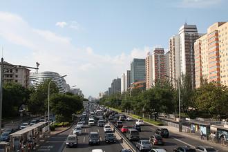 Воскресный вечер на дорогах Пекина