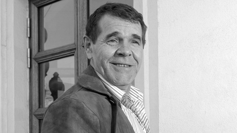 Алексей Булдаков. ОХУ-ын Ардын жүжигчин тэрбээр 4-р сарын 3-нд Монголд нас барсан.