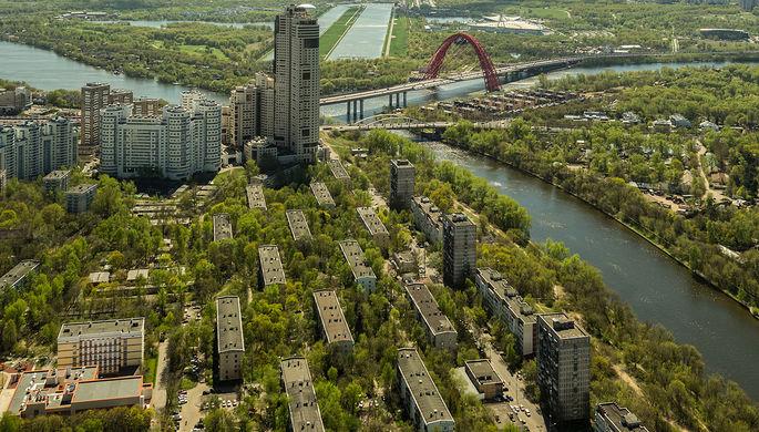Пятиэтажные жилые дома на набережной Новикова-Прибоя в Москве, включенные в программу реновации