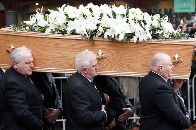 На похоронах Стивена Хокинга в Кембридже. Великобритания, 31 марта 2018 года