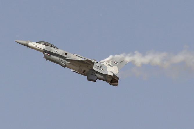 Многоцелевой истребитель F16