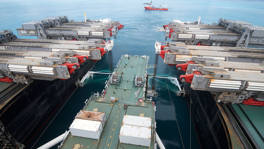 Работа судна-трубоукладчика «Пиониринг Спирит» в районе Анапы