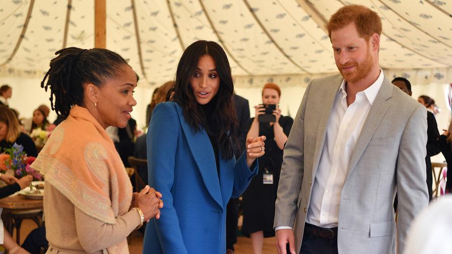 Сюрприз по-королевски: мать Меган Маркл шокировала Лондон