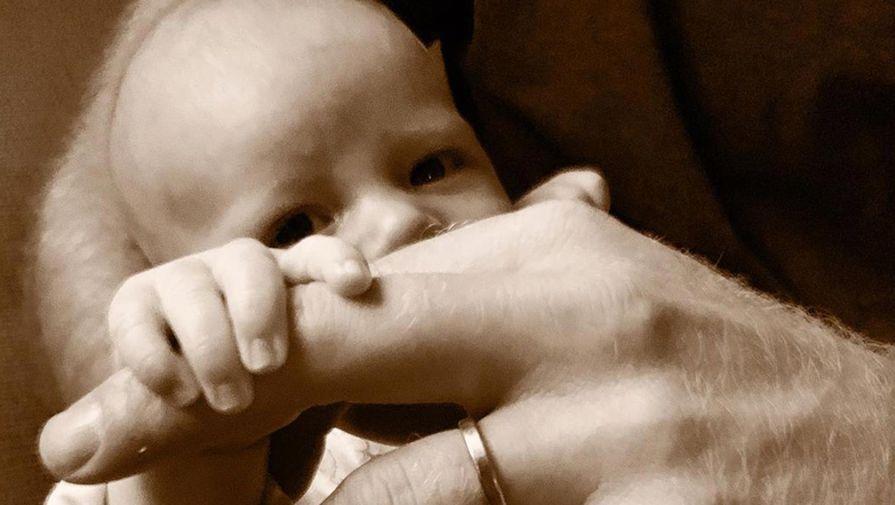 Меган Маркл и принц Гарри показали новое фото сына