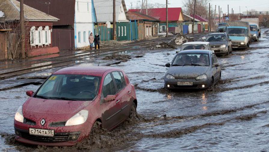 Чиновники и дороги: две беды России в одном нацпроекте