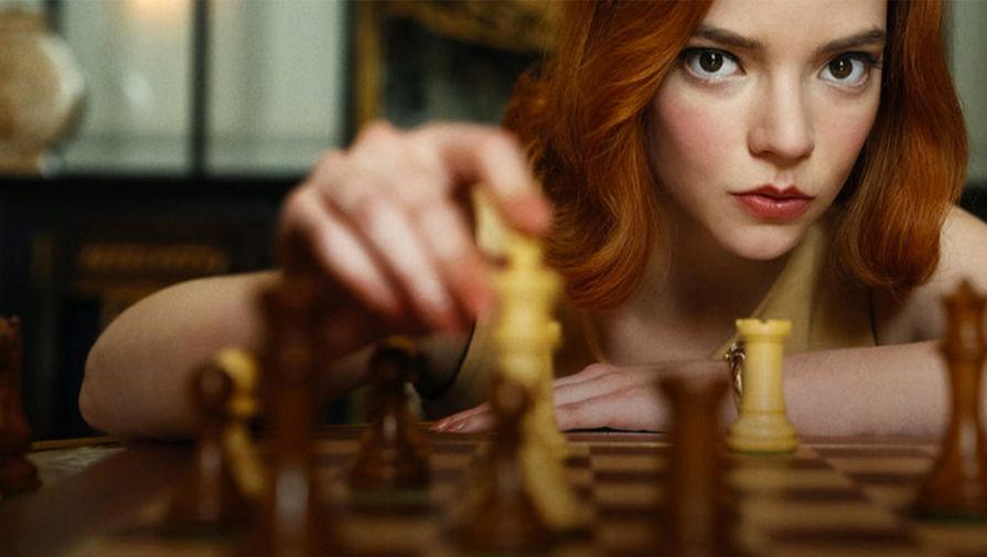 Актриса Аня Тейлор-Джой в сериале «Ход королевы» (2020)