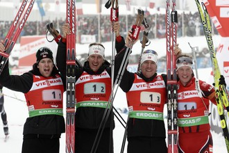 Сборная Норвегии (Руне Браттсвен, Ларс Бергер, Эмиль-Хегле Свендсен, Тарьей Бё) прошла трассу за 1:14,52,9 (1+7)
