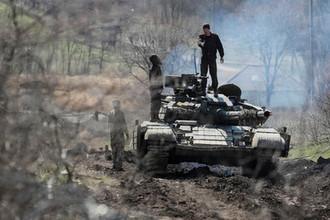 Ни мира, ни войны: кто сорвал развод войск в Донбассе