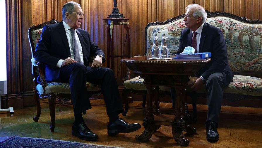 Министр иностранных дел РФ Сергей Лавров и верховный представитель Евросоюза по иностранным делам и политике безопасности Жозеп Боррель, 5 февраля 2021 года