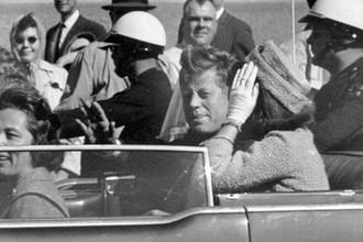 Президент США Джон Кеннеди в Далласе за минуту до убийства, 22 ноября 1963 года