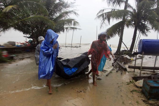 Последствия урагана «Пабук» в провинции Накхон Ситхраммарат, Таиланд, 5 января 2018 года