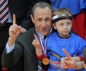 Этторе Мессина после выигрыша очередного чемпионского титула в суперлиге с ЦСКА