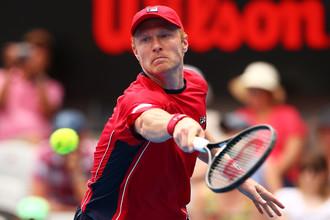 Российский теннисист Дмитрий Турсунов покинул Сидней, проиграв аргентинцу Хуану Мартину дель Потро в полуфинале