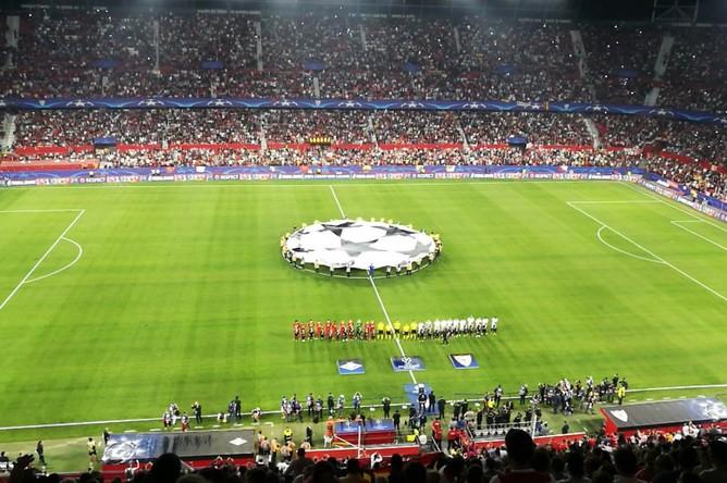 Футболисты перед началом матча «Спартак» — «Севилья»